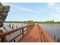 View 5558 Colonial Chatsworth Cir North Charleston SC